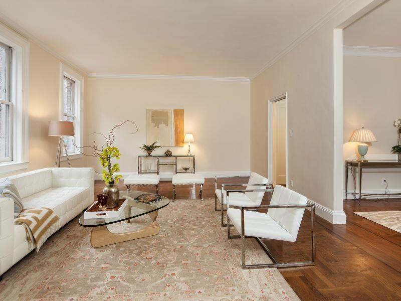 165 East 73rd Carriage House, Living Room—featured in NY Times Real Estate Section as An Exclusive Property (1/19/14) and as NY Times Sale of the Week. This property was also featured in the NY Times Real Estate Section, The Fix article by Michelle Higgins (1/22/17)