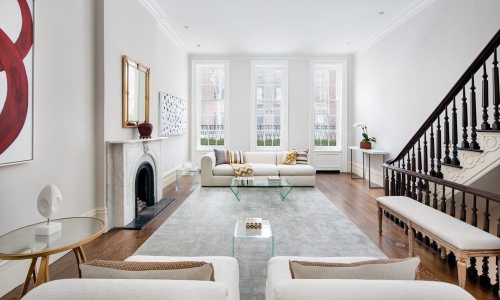 174 East 70th Street, New York, Living Room, signed contract within 9 days of staging
