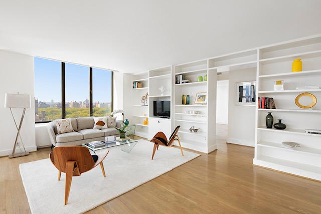 45 East 80th Street, Apt. 26, New York, Living Room. SOLD ABOVE ASK IN 1 WEEK!